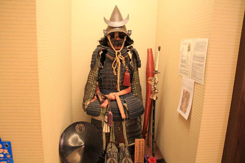 哀川翔、塚本高史が演じた後藤又兵衛の鎧がすぐ目の前に!