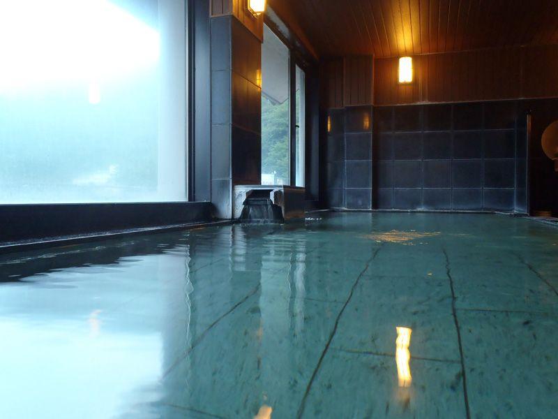 展望と雲上、2つの温泉が満喫できる山岸旅館