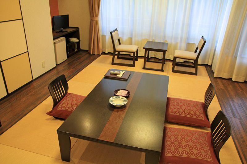 和モダンな空間で楽しむ山岸旅館の滞在は上質なくつろぎ時間!