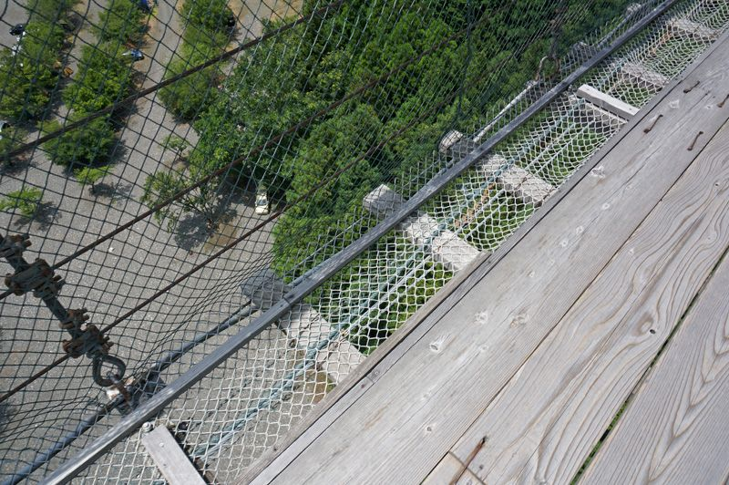 安全だけど「揺れる」「透ける」の絶叫吊り橋