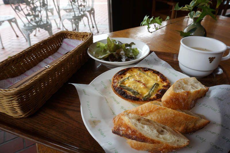 地元の名店の味を神戸ワイン片手に頂けるワイナリーカフェ!