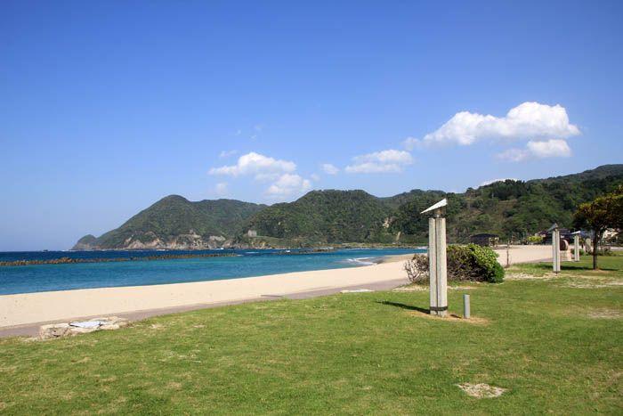 素足推奨!竹野浜の気持ちよく真っ白な砂