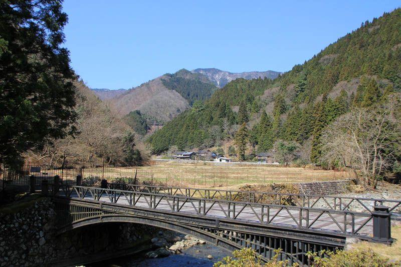 今も残る鉱石の道の跡「神子畑鋳鉄橋」