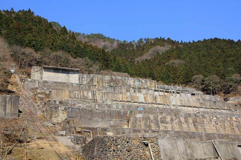 今は眠る巨大な不夜城「神子畑選鉱所」