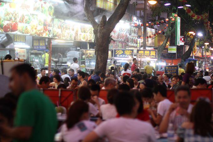 ここは絶対に外せない!夜の賑わいがたまらない都内最大の屋台街、「アロー通り」