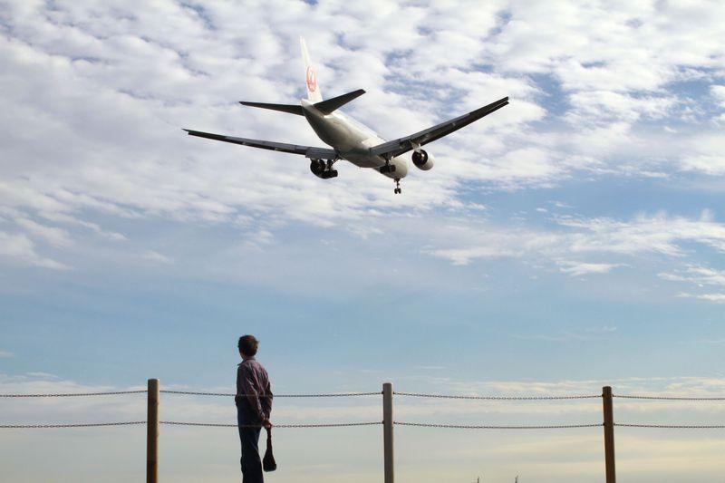 東京湾に面した城南島海浜公園で、飛行機を間近に見てみよう!
