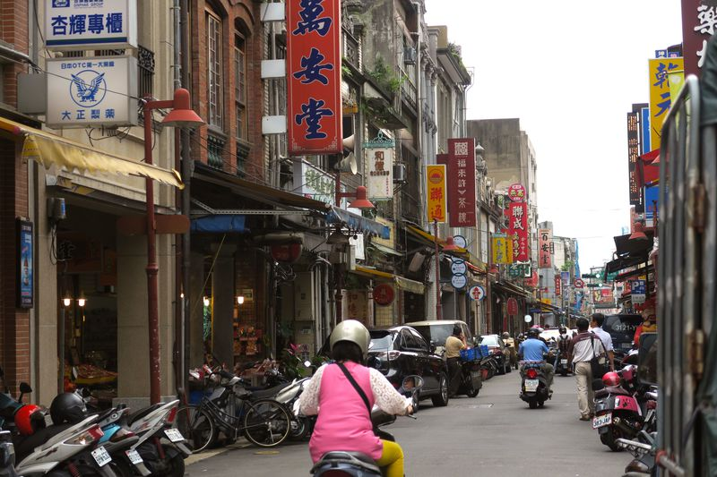 台北行くならここははずせない!古い町並みを楽しめる迪化街