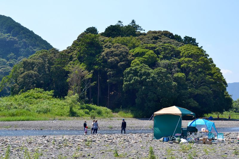 川を渡らないと行けない神社!?静岡市の名勝「木枯森」