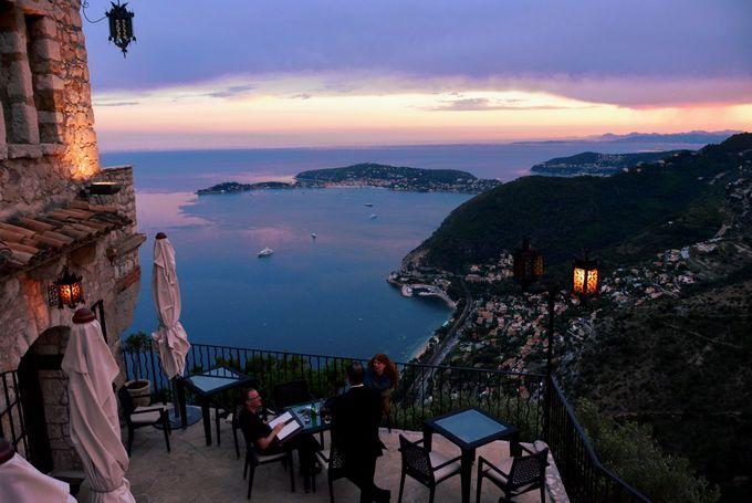 地中海を見下ろすと言う贅沢
