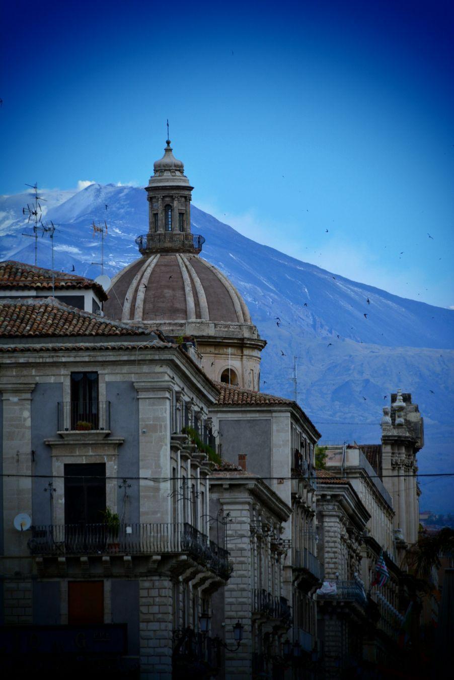 エトナ山に抱かれた世界遺産の街・シチリア島カターニアでイタリアンバロックに触れる