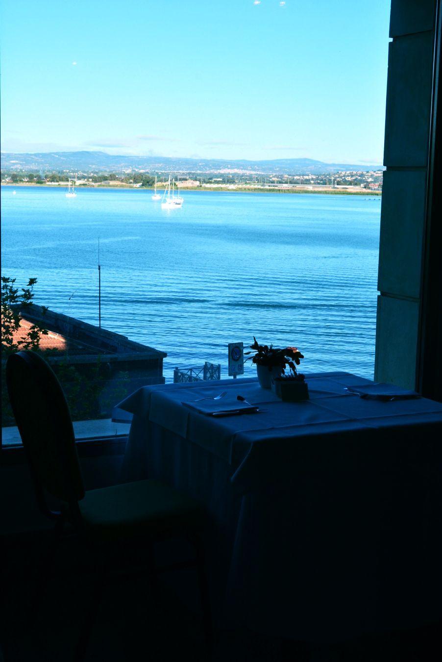 お部屋だけでなく朝食も海と一緒に楽しんじゃいましょう♪