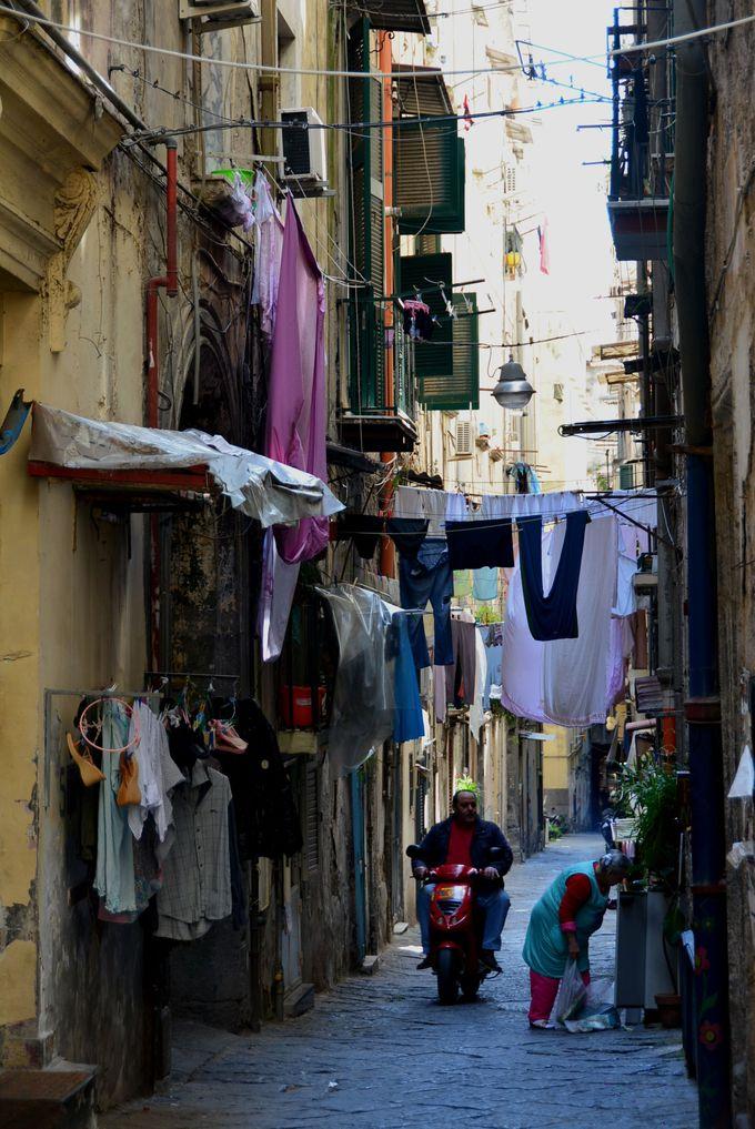 ナポリの活気はここから生まれる!下町「スパッカナポリ」