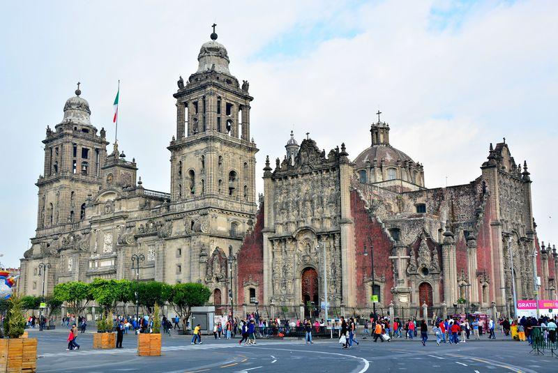 大都市メキシコシティで見ておきたい5つのモニュメント