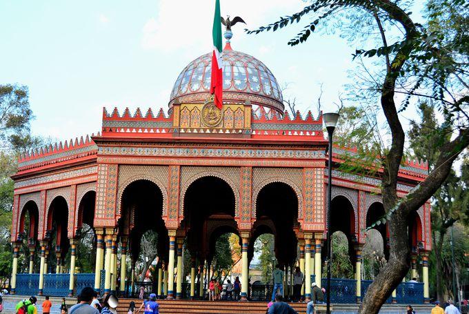 異国情緒溢れる建築様式が美しい「キオスコ」