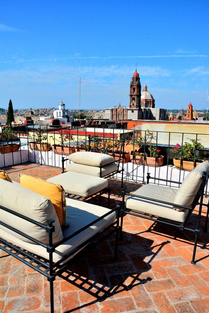 オシャレなブティックホテルの屋上から見る秘密の眺め
