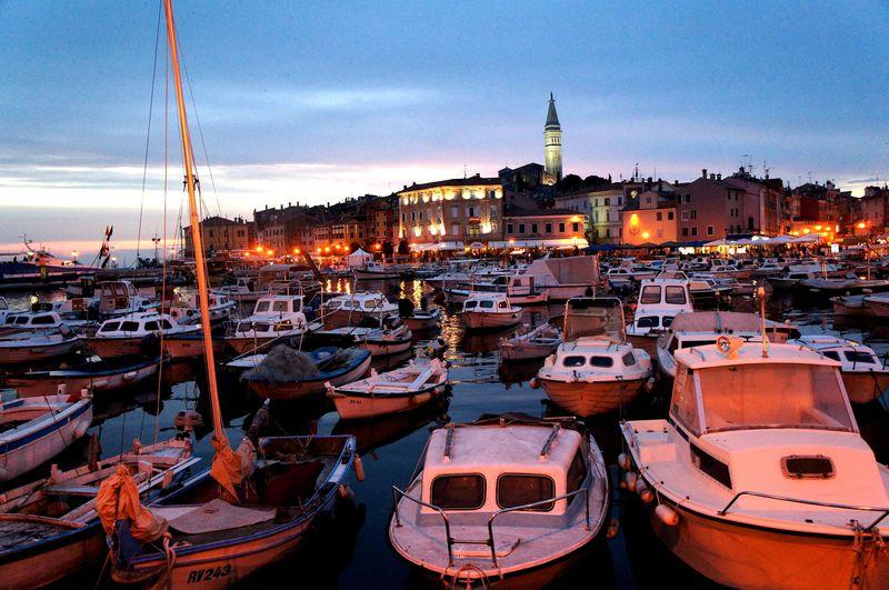 秘密にしたい街!クロアチアの小さな港町「ロヴィニ」は街全体がまるでギャラリー