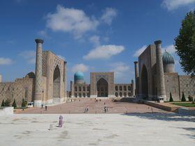 美しき青の建築群!ウズベキスタンの古都「サマルカンド」