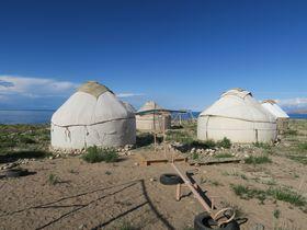雄大な景色、地元の人との触れ合いを楽しむ!キルギスでの快適なゲルの旅