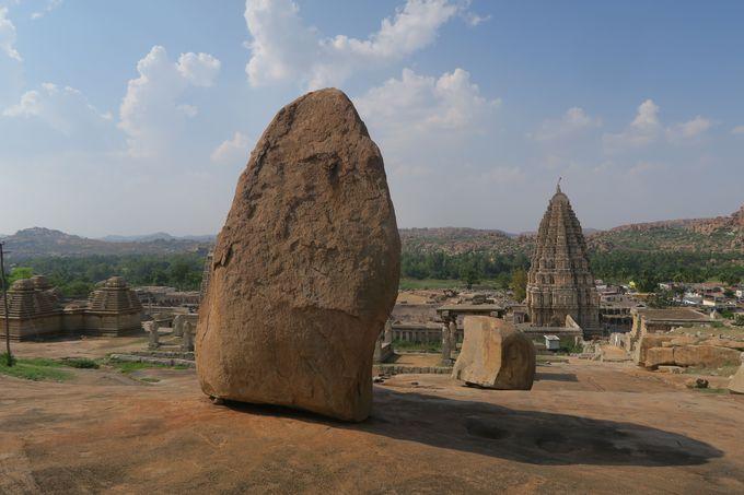 ハンピとは、インド南部のデカン高原にある遺跡群