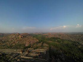 巨岩群と遺跡が作り出す絶景!インドの隠れた世界遺産「ハンピ」とは!?