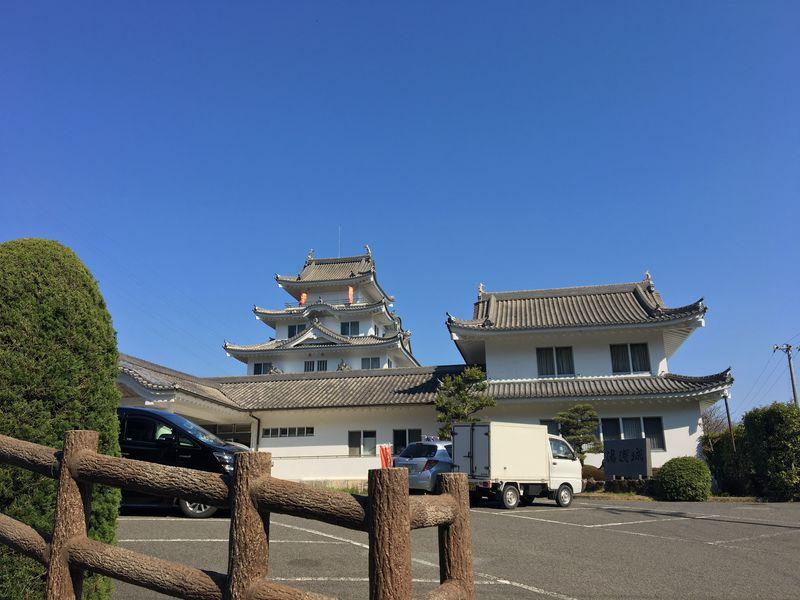 和歌山県でお殿様、お姫様気分に!天守閣に泊まれる「湯浅城」