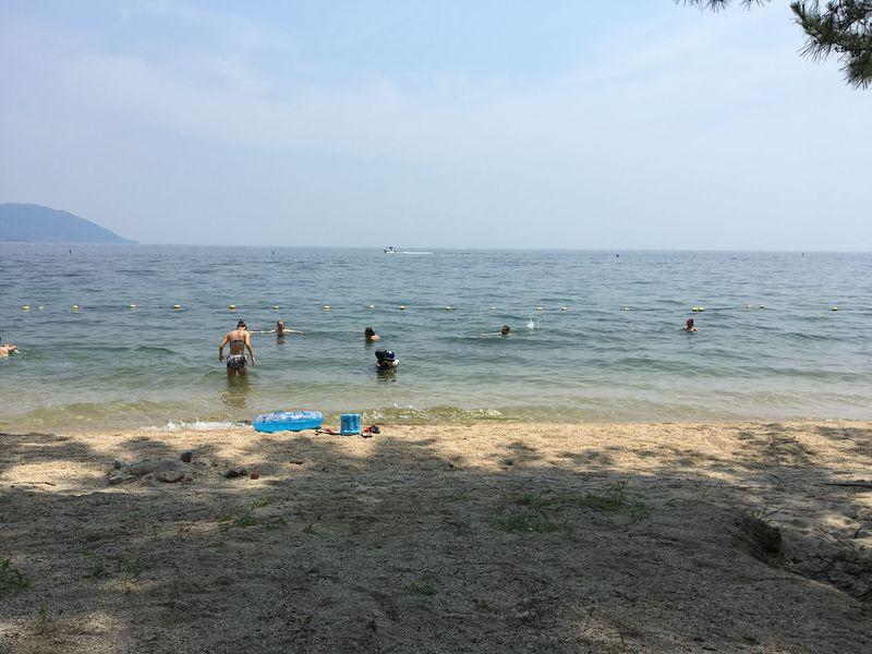 京都から電車で30分!琵琶湖のビーチ「近江舞子水泳場」