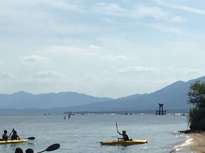 湖上の大鳥居は必見「白髭神社」