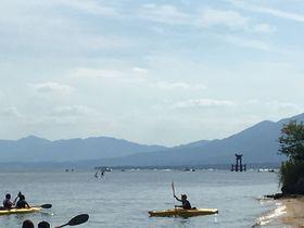 湖中鳥居をくぐるSUPも!白ひげ浜は琵琶湖レジャーの宝庫