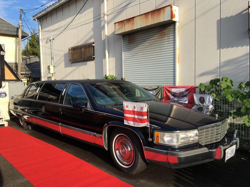 リムジンに乗ってアメリカ大統領気分を