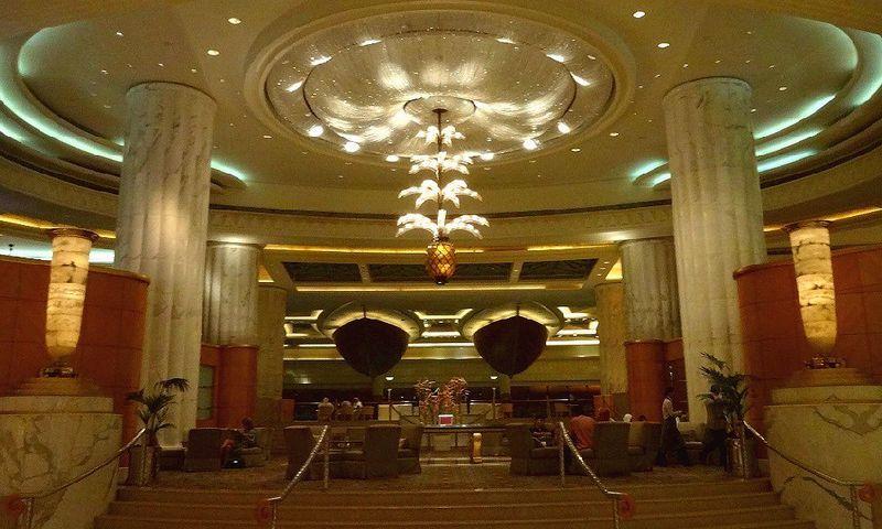 空港からすぐ、ホテル内は別世界