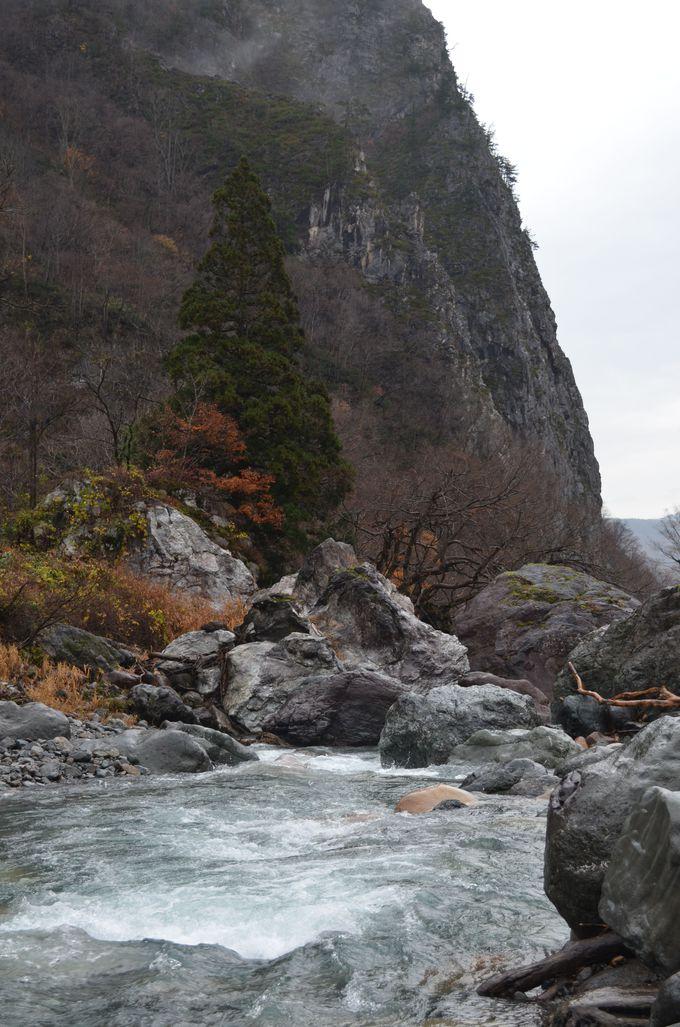 ヒスイの源流〜小滝川ヒスイ峡〜