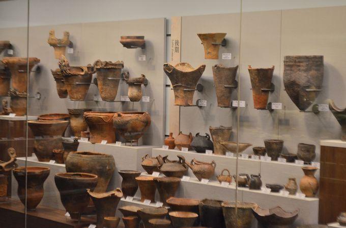 地中に埋もれていた物の展示〜考古展示室
