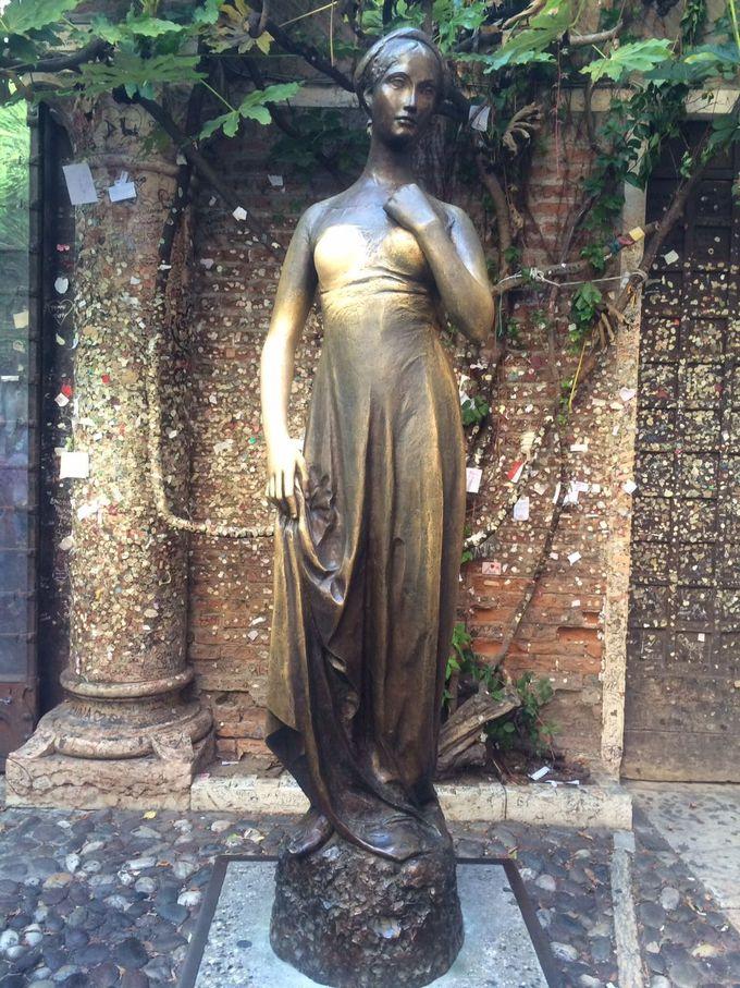 ジュリエットの右胸に秘められた伝説とは?