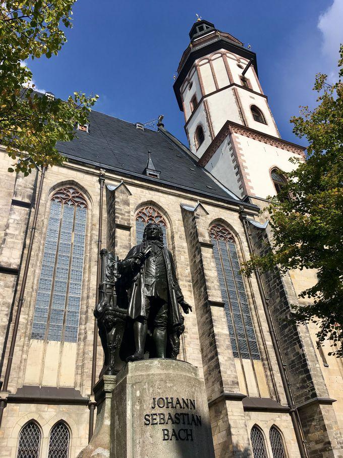 バッハ像が有名な聖トーマス教会