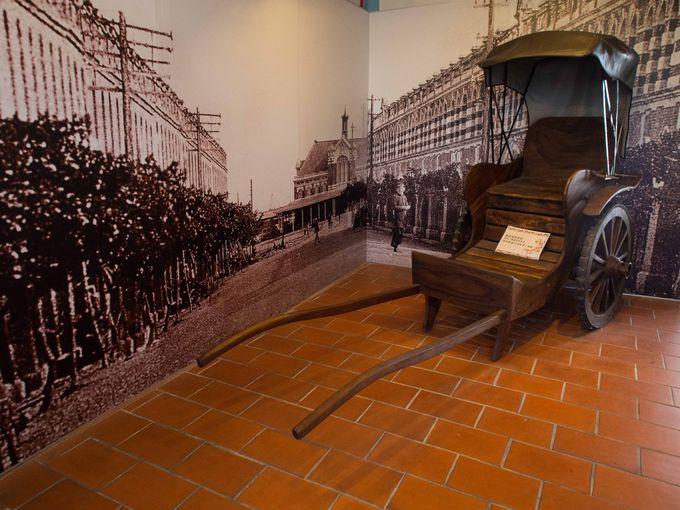 1999年の大地震で被災、現在も修復中。そのため見学はツアー制に