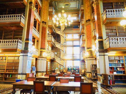 息を飲むほど美しい!アイオワ州立法図書館