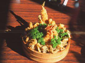 超デカ盛り天丼!山梨市の日帰り温泉「花かげの湯」の富士山丼