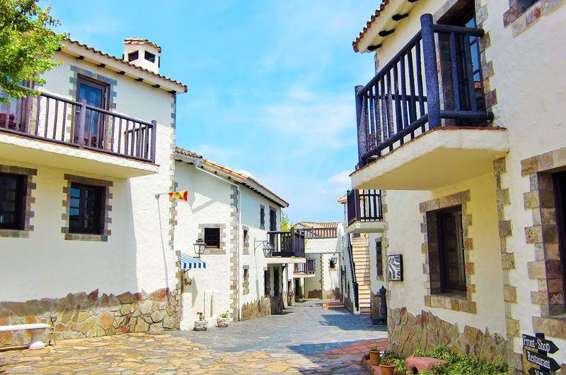 南欧の白い村が日本にも!あご湾に浮かぶ「志摩地中海村」