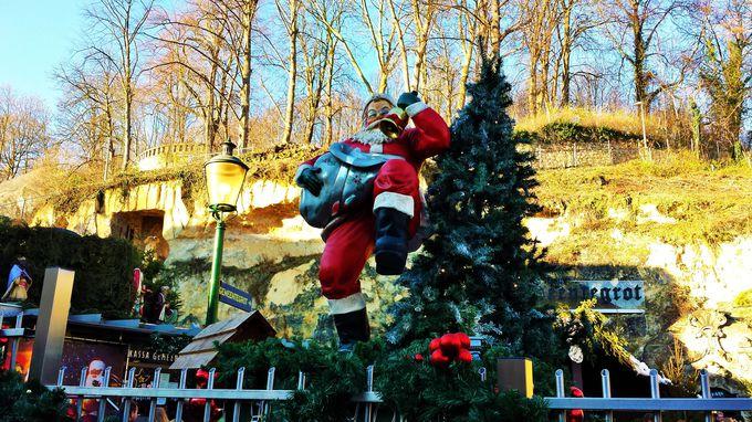 ファルケンブルグの名物!洞窟クリスマスマーケット「Gemeentegrot(へメーンテフロット)」