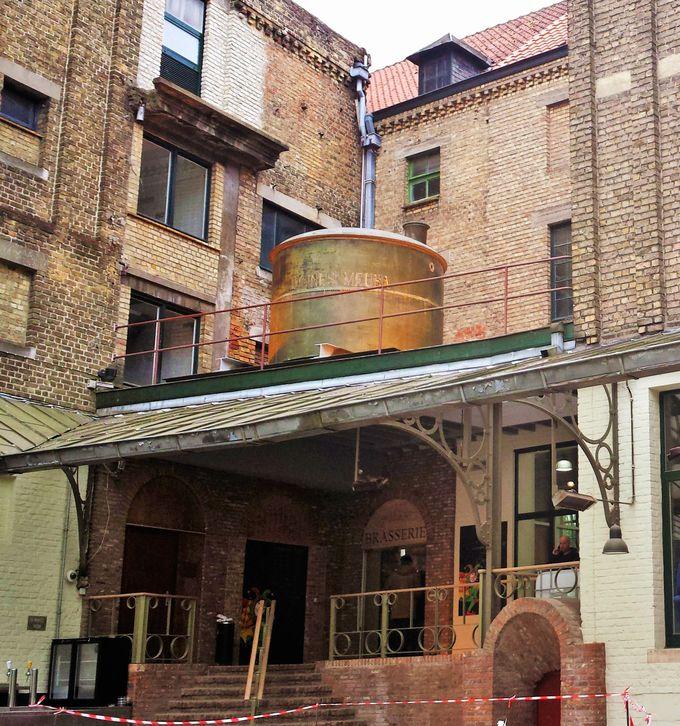 ブルージュの旧市街に溶け込む、昔ながらの造りの醸造所を見学しよう!