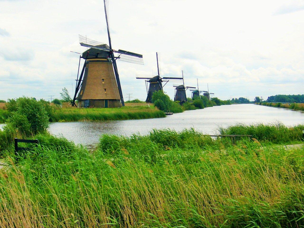 これぞオランダのシンボル!世界遺産キンデルダイクの風車