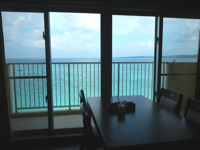 お部屋で海カフェ