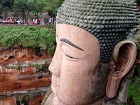 71mの大仏。絶壁に彫られた世界遺産・四川省「楽山大仏」が凄い!
