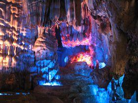 2億5千年前の洞窟!ベトナム・世界遺産「フォンニャケバン国立公園」