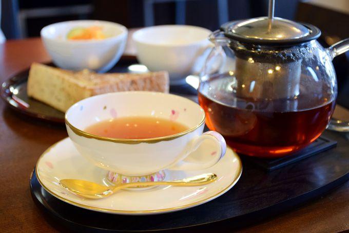 名古屋のモーニングを紅茶でどうぞ!「喫茶・夢乃舎」