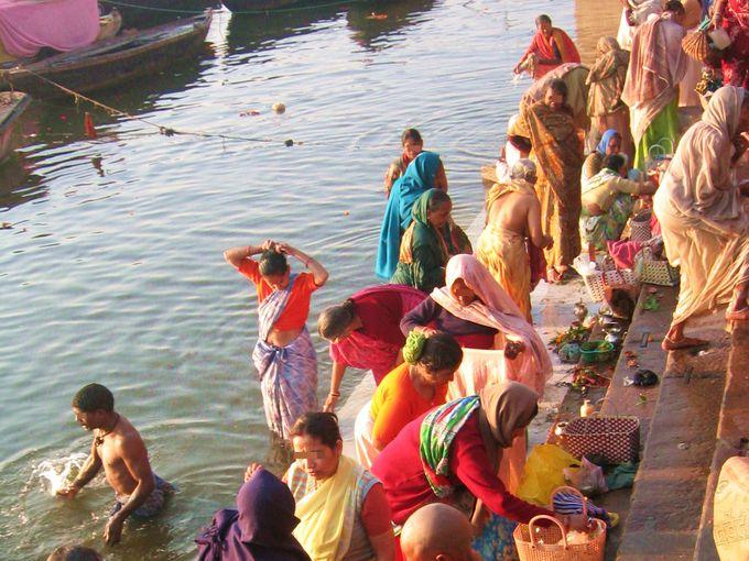 早起きしてガンガーの日の出と聖地の沐浴に触れよう!