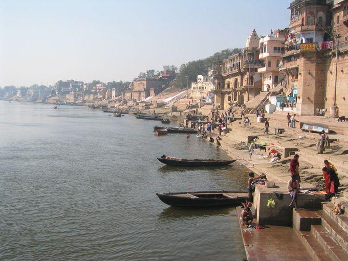 聖なる河ガンガーは歴史や魅力溢れる川
