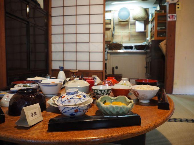 季節に合わせた、昭和の食卓を再現