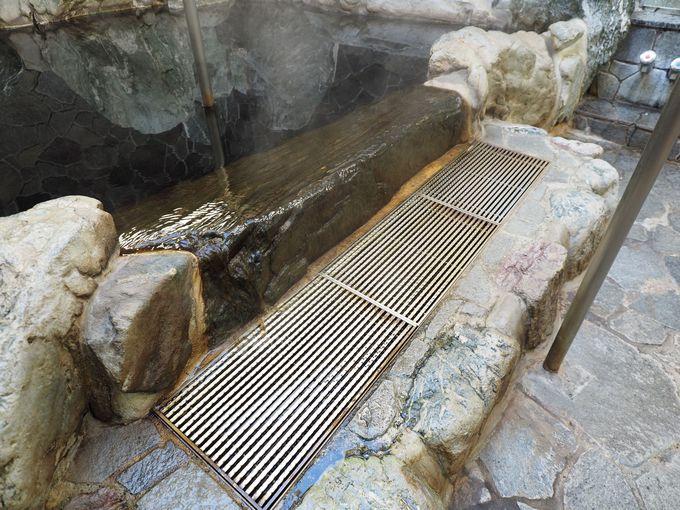 旅情豊かな温泉露天風呂はまち歩きの締めに