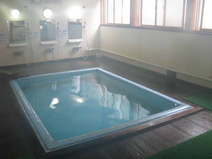 温泉大国青森。温泉の湧くところに共同浴場あり。